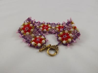 FB-51 Ffower bracelet in red, white, pink & purple
