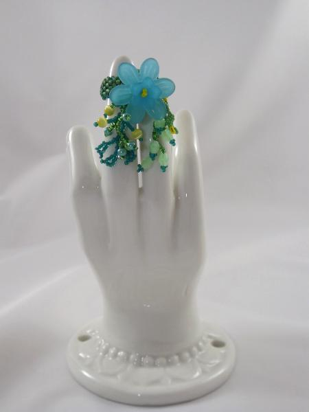 R-15 Green Beaded Ring w/Turquoise Flower