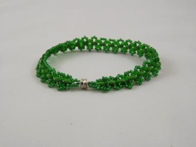 B-49 emerald green beaded bracelet