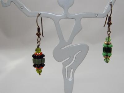 E-41 Green Beaded Bead Earrings
