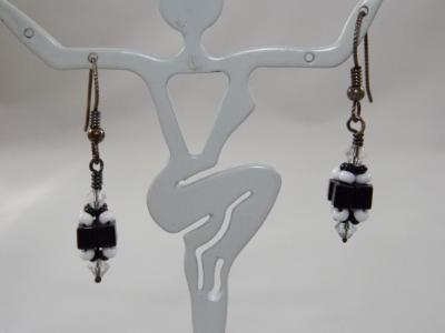 E-51 Black & White Beaded Bead Earrings